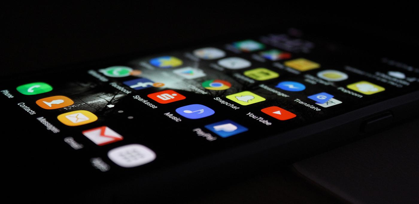 Tu celular quiere que seas adicto. ¿Cómo combatirlo?