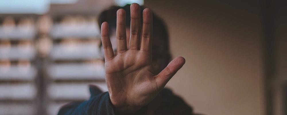 Convivir con la pandemia en el trabajo: el desafío de evitar el acoso y la estigmatización