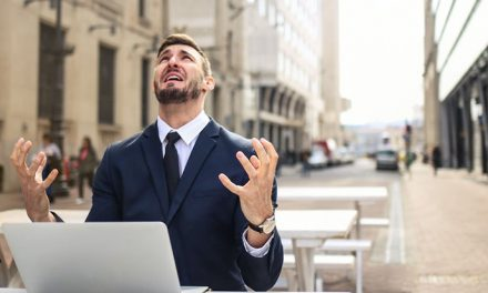 ¿Sabías que, sin quererlo, podrías estar saboteando tu propia empresa? Descubre cómo, gracias a un viejo manual de espías
