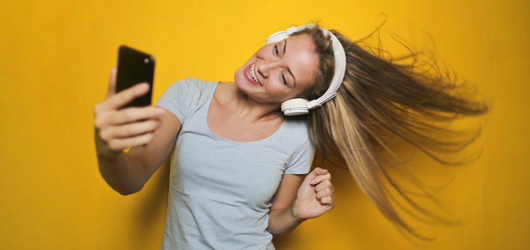 Bailar le hace bien a tu cerebro, incluso más que varios tipos de ejercicio físico