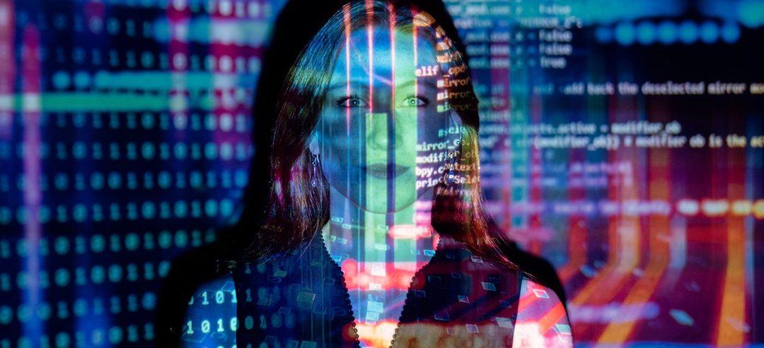 Conectadas: programa para acercar la tecnología a mujeres de Latinoamérica
