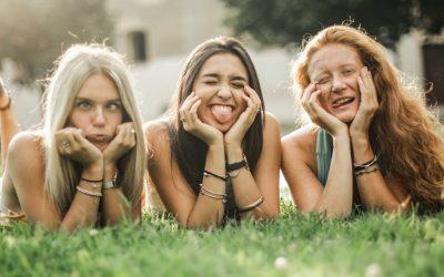 La alegría de los buenos amigos es mejor que cualquier medicina